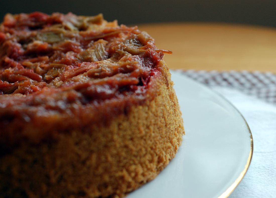 Bolo invertido de ruibarbo // Upside down Rhubarb Cake