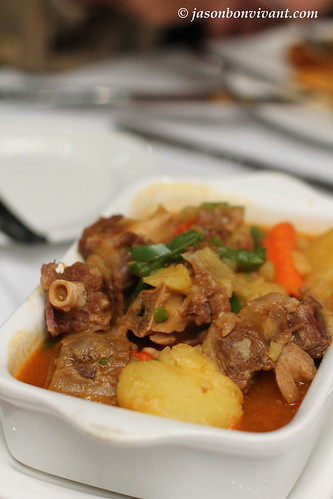 Stewed ox-tail (country style)