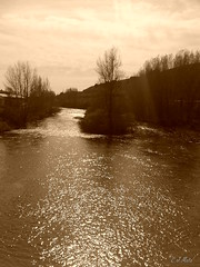 Cuando el Rio Suena... (C.J. Mata) Tags: blancoynegro rio agua movil paisaje paisajea