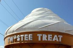 Twistee Treat (ScribeGirl) Tags: architecture canon florida cone icecream jacksonville softserve twisteetreat t1i