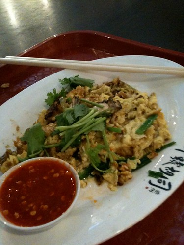 oh-chien (baby oyster omelette)