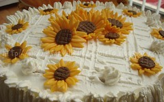 Torta Girasoli (lauradistefano84) Tags: food cake sweet compleanno torta dolci decorated girasoli decorazioni zucchero pdz fondat firasole