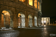 Coliseu e Arco di Costantino (rbpdesigner) Tags: italien light italy rome roma luz night lights luces europa europe italia arch nightshot roman lumire arc constantine colosseum vaticano noturna noite triumphalarch coliseum luci luzes nuit arcdetriomphe rom arco luce italie lumires itlia nachtaufnahme colosseo coliseu triumphbogen constantin arcotriunfal  konstantin constantino colise archofconstantine kolezyum kolosseum  arcodeltriunfo  thecolosseum flavianamphitheatre  arcodicostantino romancoliseum arcdeconstantin anfiteatroflavio amphitheatrumflavium arcodeconstantino  lecolise larcodicostantino  konstantinsbogen arcotrionfale  elcoliseo amphithtreflavien coliseuderoma coliseus anfiteatroflaviano   gettyimagesitalyq1 elarcodeconstantino