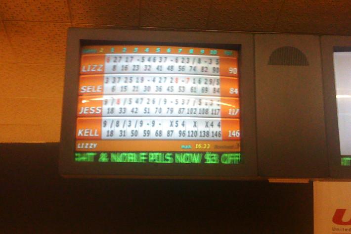 021911_bowling08