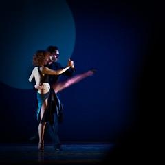 Divino Tango (Simona Pellegrini) Tags: teatro donna ballerina uomo tango genova rosso coppia politeama divino tanghero