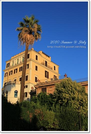 2010-08-17   19-39-40 Day10 Venice-Rome_0431 f