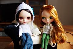 Dafne invita a Victoria a estrenar el Sofá