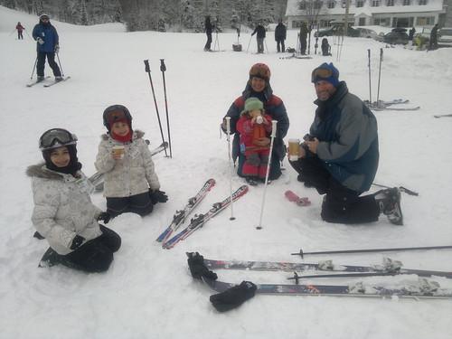 Choc chaud fin d'une bonne journee de ski by ngoldapple
