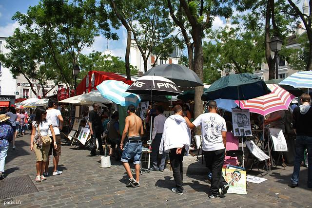 Place du Tertre : symbole du tourisme de masse à Paris