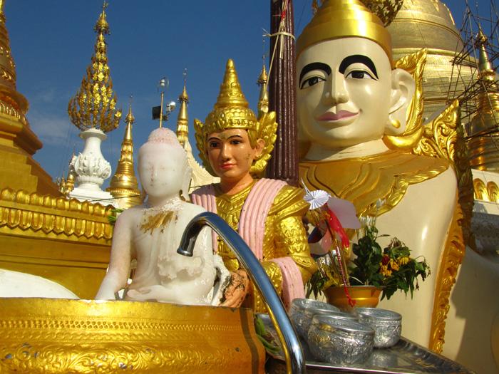 Shwedagon Pagoda Pictures, Yangon, Burma