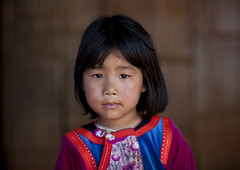 Ban Nam Rin village, Lisu tribe kid, Thailand (Eric Lafforgue) Tags: costumes portrait people color colour face montagne thailand kid clothing asia child tailandia newyear tribal thalande hills clothes human asie tribe ethnic siam enfant thailandia couleur visage nouvelan thailande hilltribe maehongson norththailand tribu   humain lisu tayland   muangthai tajlandia ethnie photocouleur thaifld   thailandedunord    thai3061