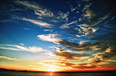 [フリー画像] 自然・風景, 夕日・夕焼け・日没, 空, 雲, チリ, 201103191900