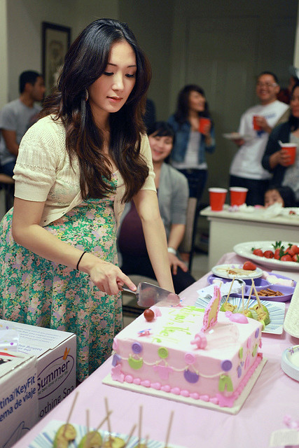 MC CUTTING CAKE 3