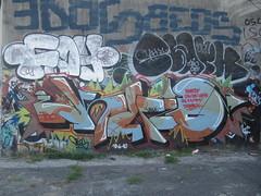 Knio (Oldrockk) Tags: graffiti milano clark lambrate bombing oink fs bombo tbc combo throwup obelix obes fayer gratosoglio knios xilebo fattelospingere