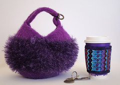 Knitting Morgan purse Dumpling bags purples Koll_72 (KozeeLady) Tags: travel hot cold cup water beer coffee paper glasses milk purple bottles tea chocolate african ale wrap frosty plastic cardboard cover drinks takeout friendly mug iced soda cans warmers smoothies eco sleeve fruity cosy cozies recyclable insulated milkshakes thinsulate koffeekompanions knittingpatterndumplingbagsfeltedcozy