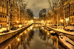 Snow in Amsterdam (A r l e t t e (reloaded)) Tags: street winter snow cold water amsterdam photoshop reflections lights canal snowy sneeuw canals grachten hdr gracht lightroom snowynight arlette straat koud leidsegracht 3xp photomatix greatphotographers nikond90 hdratnight hdraddicted
