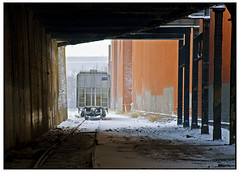 Imaginary Window into An Imaginary Soul (swanksalot) Tags: chicago train track perspective rivernorth swanksalot 42ndward sethanderson killgubbin