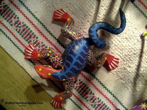 102420101200-WDW-EPCOT-MEXICO-lizard