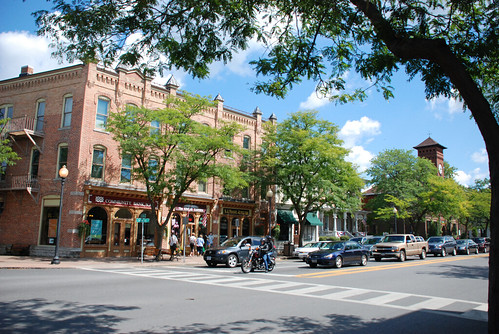 downtown Skaneateles NY (by: Joe Shlabotnik/Peter Dutton, creative commons license)