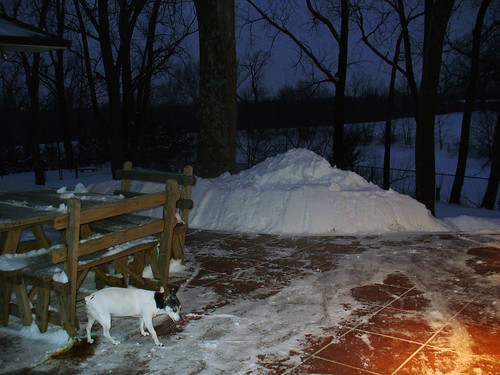 2011-01-23 - Snowy Patio at Night - 0004