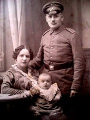 Prussian Soldier, wife + baby c 1915 (pince_nez2008) Tags: soldier glasses wwi eyeglasses pincenez noseclip pinchnose
