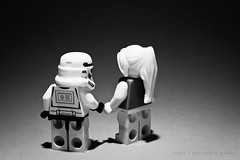 26/365 Today is black and white day for her and Shane (photography.andreas) Tags: friends bw cute art girl canon germany deutschland photography blackwhite starwars couple lego minifig emotions saarland project365 eos40d canoneos40d canonefs1855mmf3556is urweiler