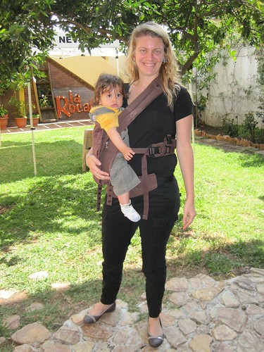 5389924053 31fb0d0030 Travel Expertas Pick of the Week   ERGObabys Organic Twill Dark Chocolate Baby Carrier