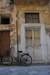19 (Chiara Riccia) Tags: italy casa italia arte centro porta chiara salento puglia cultura barocco lecce bicicletta storico vecchia riccia santoronzo chiararezza chiararezza7