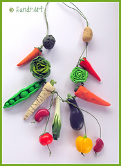 Vegetable necklace (SandrArt) Tags: red green garden necklace handmade croatia vegetable polymerclay fimo hrvatska sisak polyclay crveno zeleno ogrlica uto naranasto povre graak runirad sandrart ogrlice polimernaglina sandrarts unikatninakit