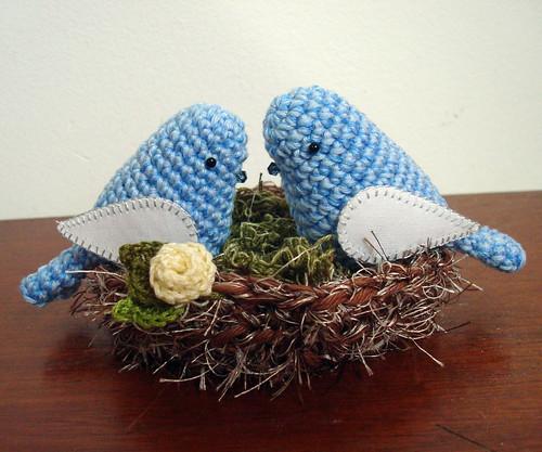 pássaros no ninho