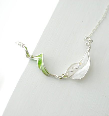 White Calla Lily Necklace, Art Jewelry...