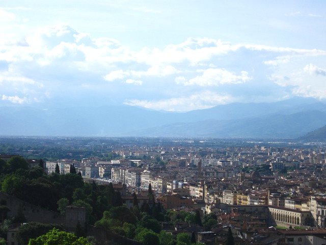 フィレンツェの街並みの眺めのフリー写真素材