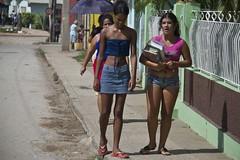Chiquillas (_kairos_) Tags: color digital canon cuba 7d trinidad cubanas chiquillas