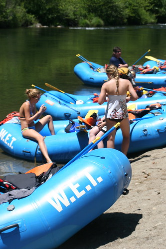 group rafting trips with wet river trips