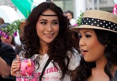 Thai stars: Ploy & Kalamare (bangkok.charlie) Tags: celebrity stars asian thailand asia bangkok thai siam dara superstars paragon ploy lakorn charityfair