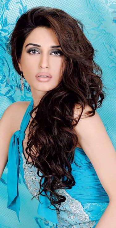 image Hot pakistani girl nehakhan shows boobs to bf p1