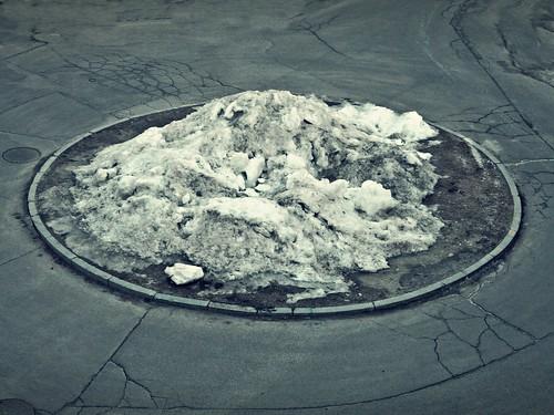 Dirty snow / quand la neige se meurt (1/52)