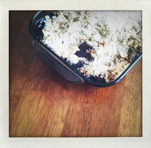 Gingersnap Berry-Apple Crisp
