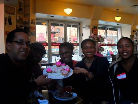 Yesterday, we had a Cupcake Meetup at Make My Cake in Harlem.