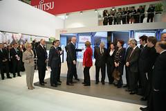 008_CeBIT_Fujitsu_Blog_Merkel_-20110301-100707 (Fujitsu_DE) Tags: cebit halle2 erstertag cebit2011 cebit11
