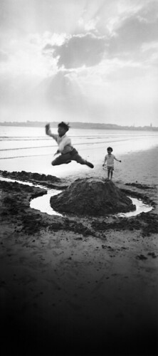 jacques-henri-lartigue-gerard-willemetz-y-dany-royan-julio-de-1926-fotografia-de-j-h-lartigue-copy-ministere-de-la-cult