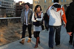 the look (omoo) Tags: asian couple chelsea boots manhattan cityscapes skylines style tights layers perplexed streetscenes highline citypark thelook tenthavenue notconvinced elevatedcityparkthatfollowstheoldhighlinefreighttracks