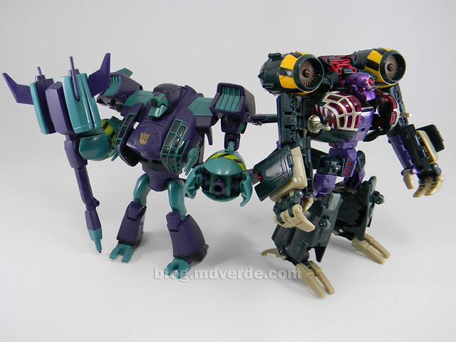 Transformers Lugnut United Voyager - modo robot vs Animated