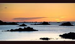 Copier/Coller ... de cailloux (Mikal Milin) Tags: mer soleil coucher roscoff bretagne perharidy