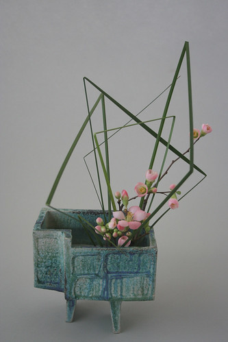 Ikebana with static lines