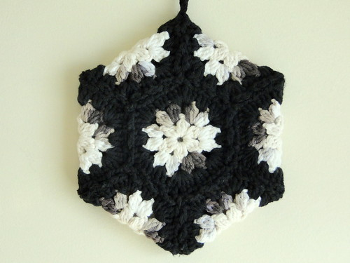 black hexagon potholder
