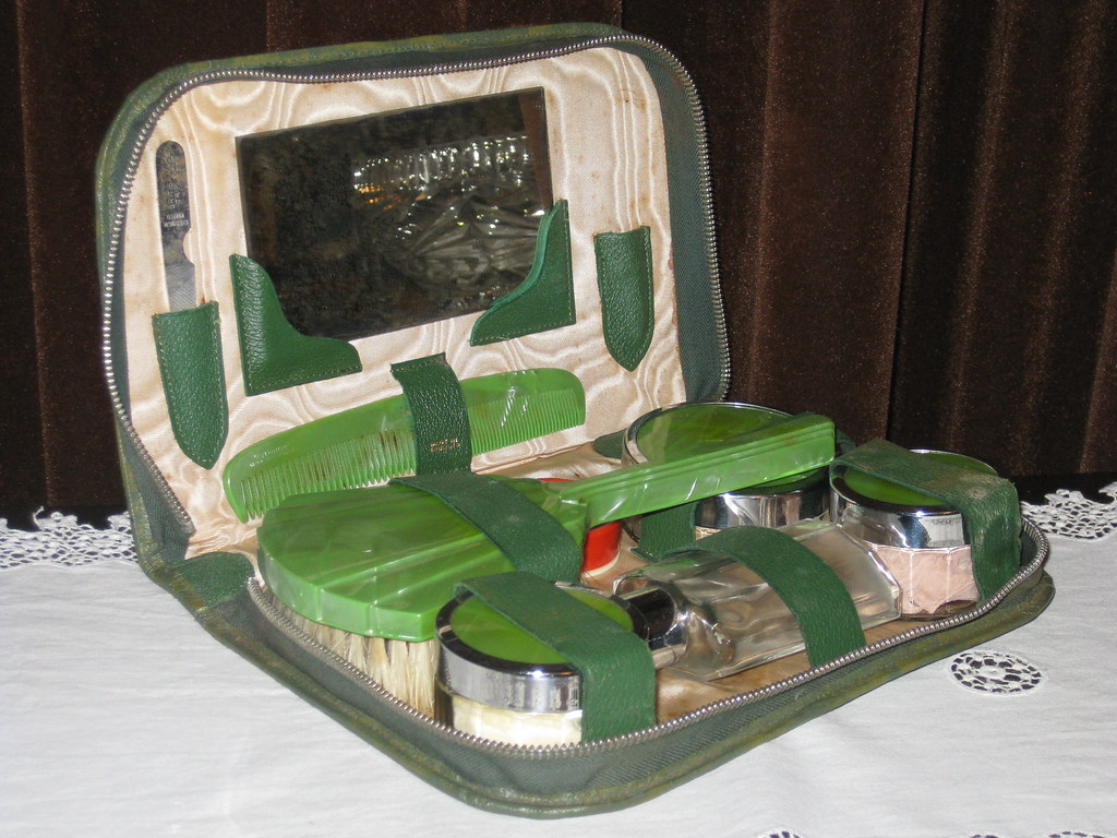 Art Deco Bakelite, Chrome and Glass Travelling Beauty Case