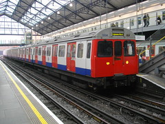 District line Train at Earl's Court