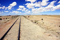 Vias hacia el salar de Uyuni (Diego Rayaces) Tags: sky train landscape tren desert railway bolivia paisaje cielo nubes desierto salar transporte uyuni ferrocarril vias