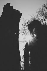 Let the sunshine (mripp) Tags: valley gorge landscape landschaft tansania tanzania black white mono monochrom sun sunstar sonne art kunst graphic grafik fuji xrpo2 africa outside hope hoffnung light licht